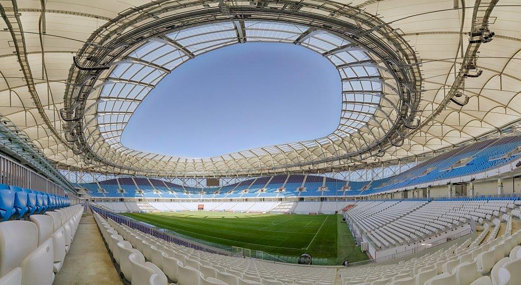 Панорамная фотография вантовой крыши футбольного стадиона Волгоград Арена